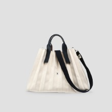 Lucky Pleats Canvas L Ivory_Hazy Navy